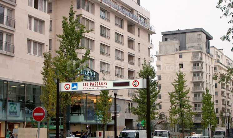 Rue de Bolougne / Semi Rijo limestone / Paris France