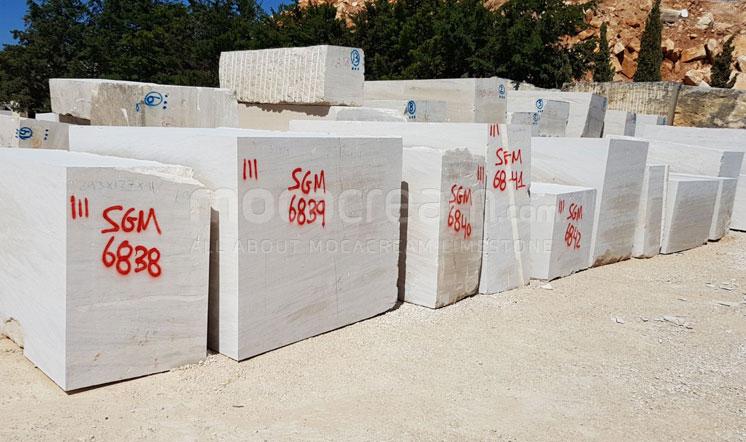 Moca Cream limestone blocks